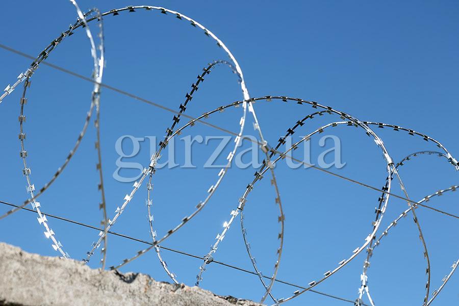 Спиральный барьер безопасности Гюрза-600/3