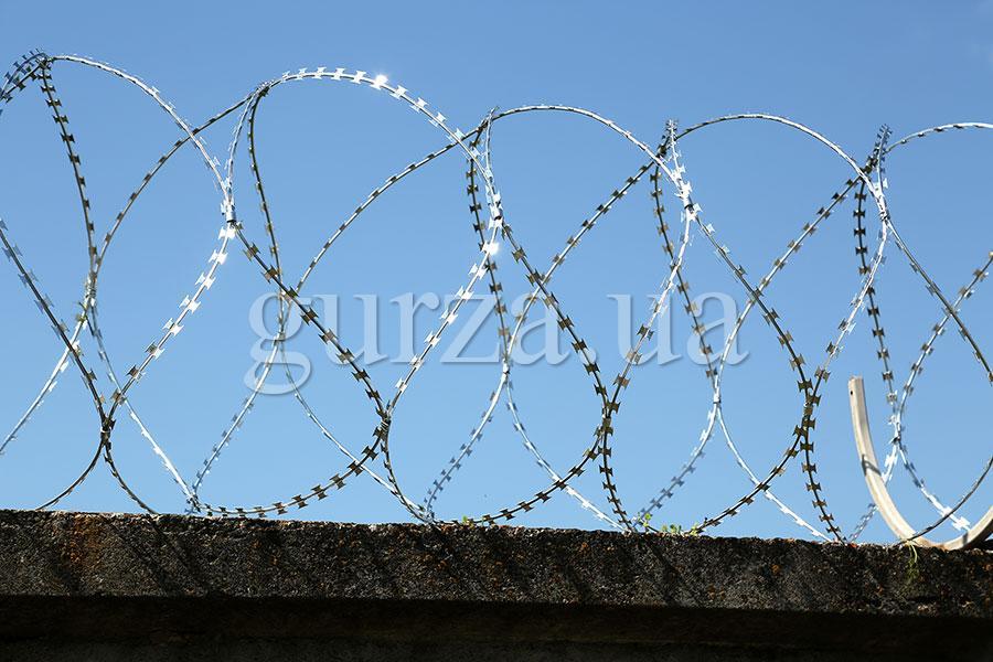 Спиральный барьер безопасности Гюрза-600/5